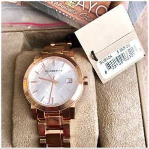 ❌TRADED❌Burberry Rose Gold!! UP FOR TRADE TV 600